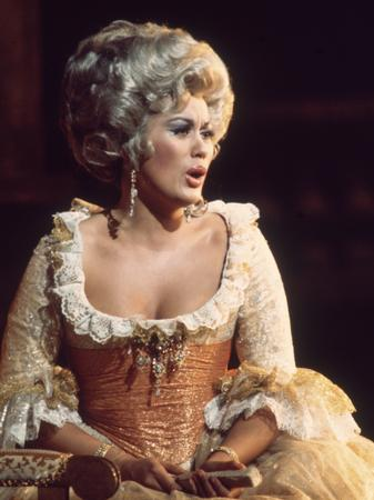 Kiri te Kanawa as the Countess