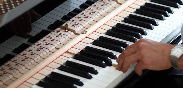 piano tuner tuning